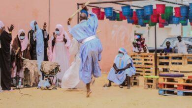 Ouverture du Festival Libre Art avec la troupe Teranim et danse du bâton. Photo @ Lamine Sy
